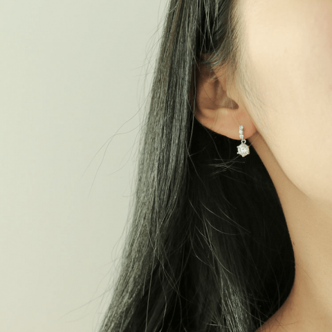 Chichic S925 Sterling Silver Classic Zirconia Stud Earrings